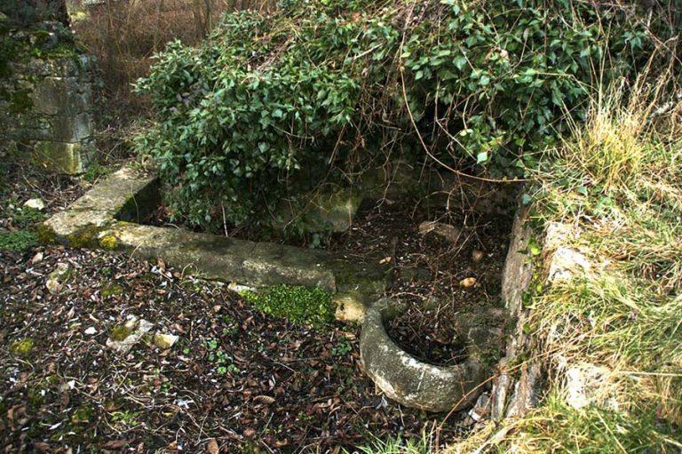 Ce qui restait de la fontaine
